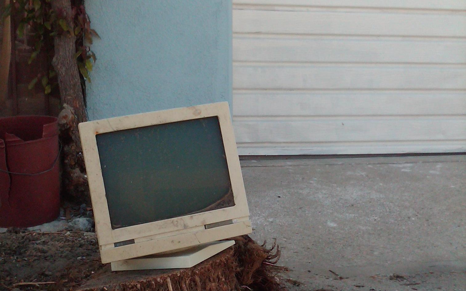 Broken Monitor-1