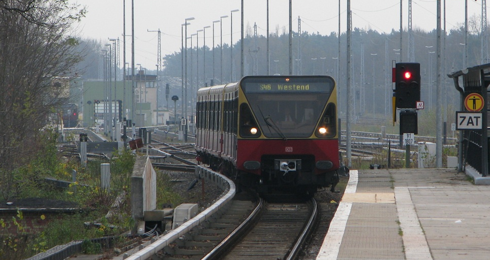 An S-Bahn Class 480 train coming to a stop.