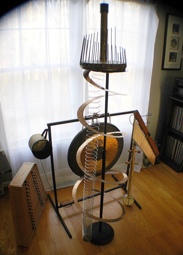 Sculpture for a lot crazy sounds