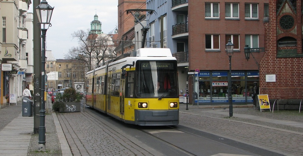 A Double-end GT6N-ZR.2 tram. Photo Credits: http://hampage.hu/
