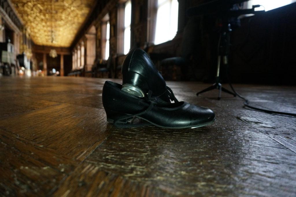 The Favourite - Harleys heel clicks